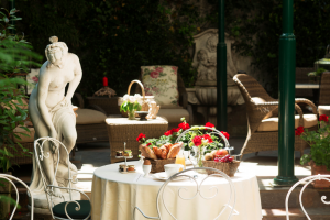 Gourmet Stay in Paris: Recommendations by Hotel des Marronniers