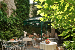 Find a hotel for a long weekend in Paris : Hotel des Marronniers